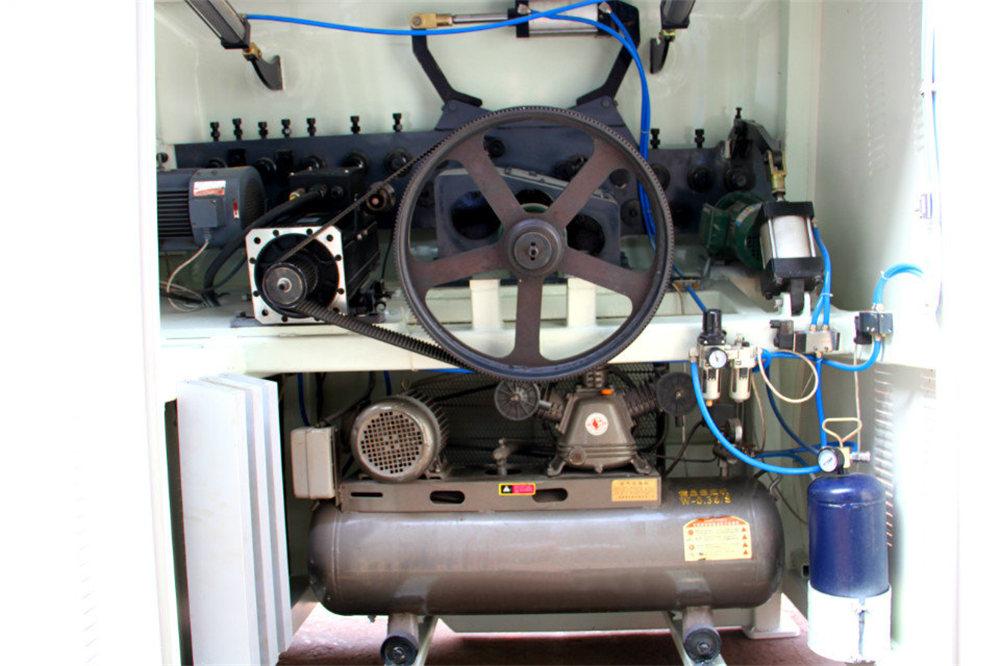 数控线材弯曲机4